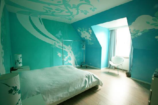Favori Hotel Fox: accommodating 61 experiences of art | Toubik TS12